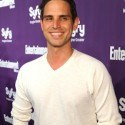 Greg berlanti, supergirl, c.w. comics series