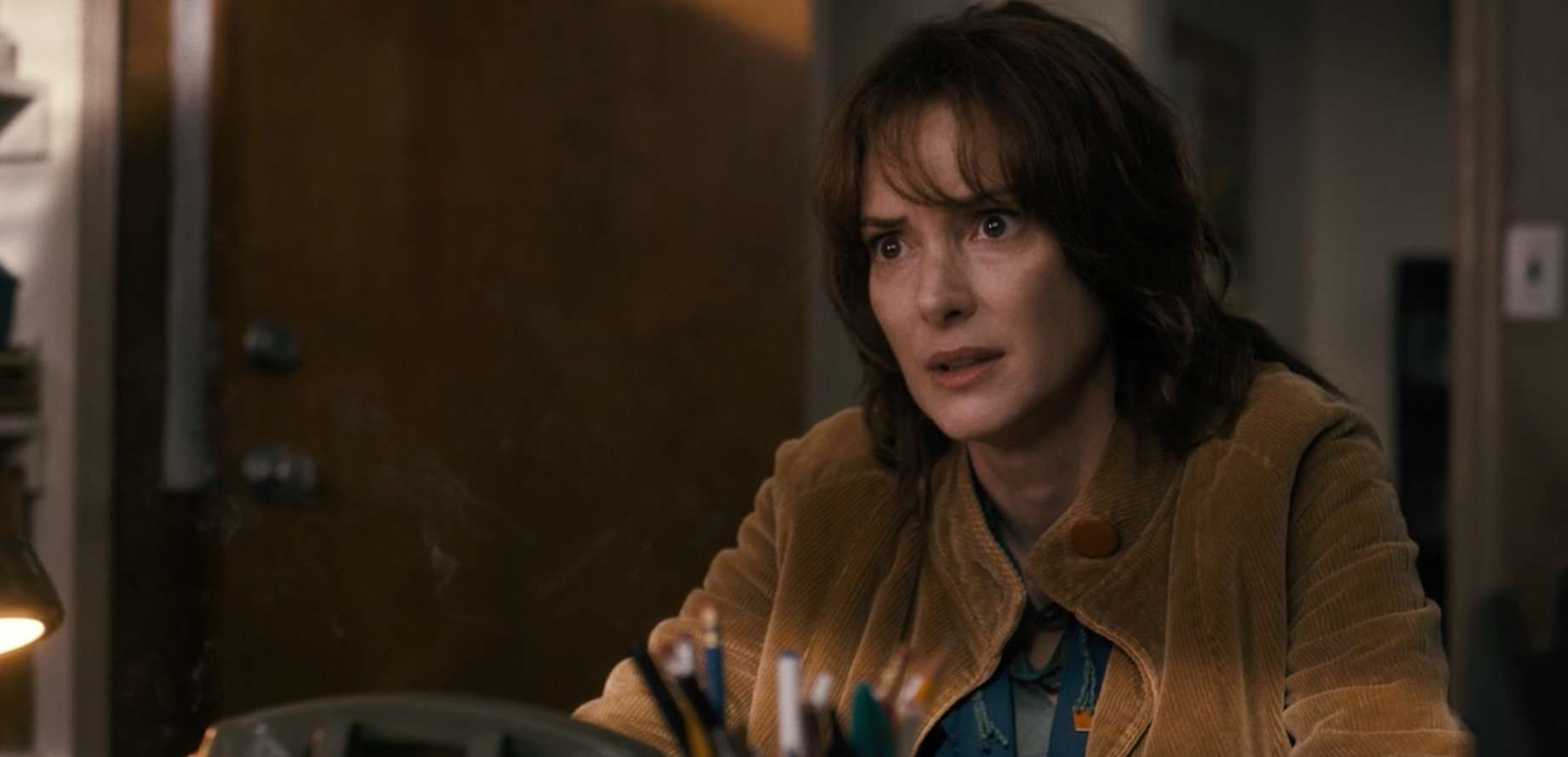 joyce byers, winona ryder, stranger things review
